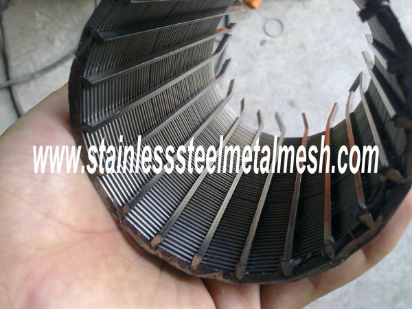 Wedge wire screen is manufactured by flat welded screen in panel or cylinder type. Flat welded wedge wire panels offer a perfectly flat and smooth surface with rectangular openings. Welded Wedge Wire Screens are made from V shaped profile wire, with an unique welding process, offering great strength, precision, long service life and a wide range of applications in the field of process, engineering such as sugar juice filtration, waste water treatment, crude oil and natural gas production and vessel internals solving problems of solid / liquid and solid / gas separation, filtration of oils, greases, paints, food products, water, fuels, liquid cooling agents, chemicals etc. This kind of wedge wire can replace conventional media like wire mesh cloth, perforated plate and other metal sifting materials as components for rotary screen, well screen, quarry screen, etc. Application: - Separating; - Sizing; - Straining; - De-watering; - Filtering; - Drying; - Water intake; - Media retention.