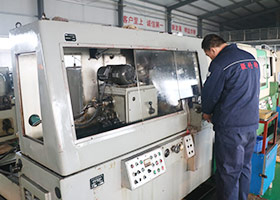 inner thread grinding machine
