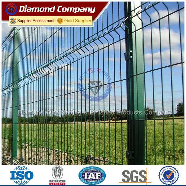 PVC Powder Coated galvanized curvy fence - Diamond Wire Netting ...