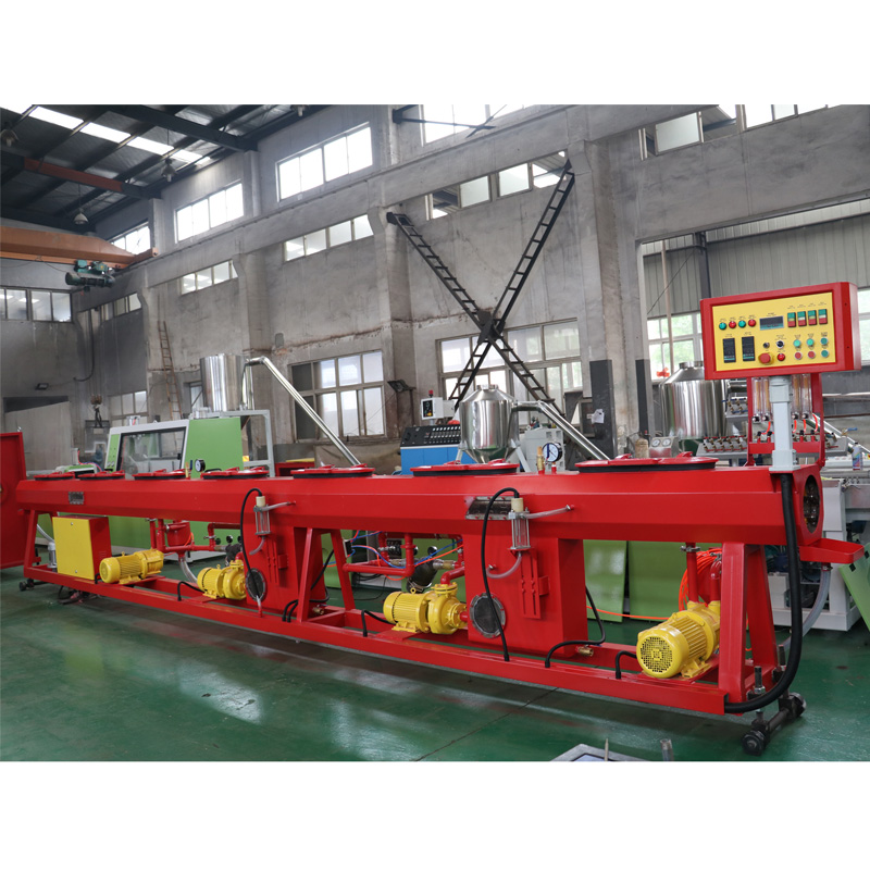 ppr water supply pipe extruding line.jpg