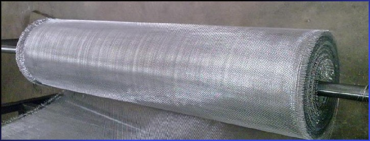 2016 Low Price flexible stainless steel window screening