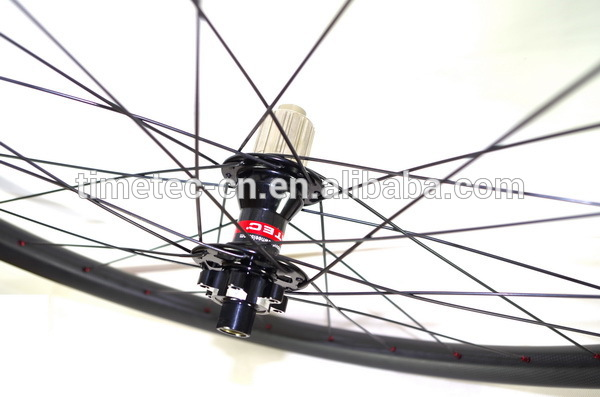 29er T700 carbon 33mm lightweight tubeless MTB wheels