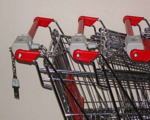 shopping trolley with coin lock.jpg