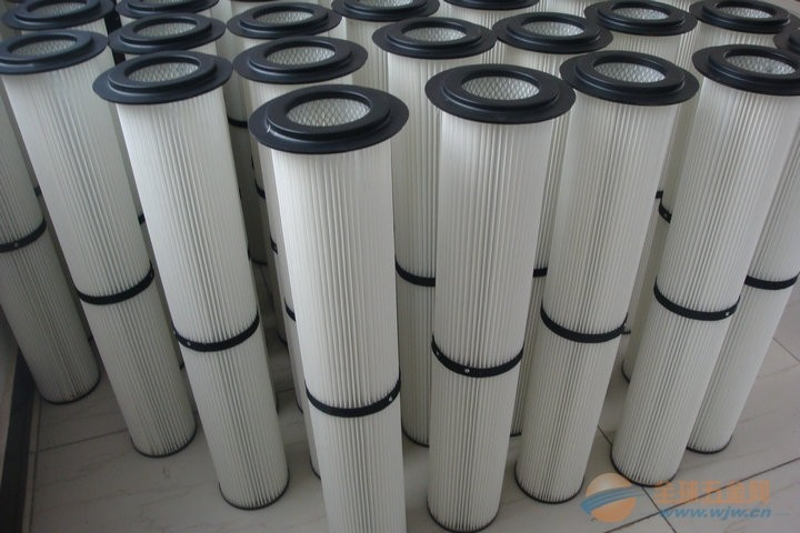The main filter principle of industrial welding carbon cartridge filter