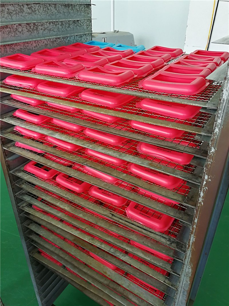 silicone sleeve production process.jpg
